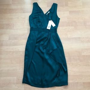NWT Banana Republic 100% Silk Green V-Neck Dress
